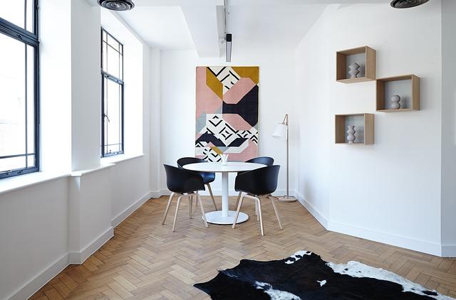 chairs-2181968_640.jpg